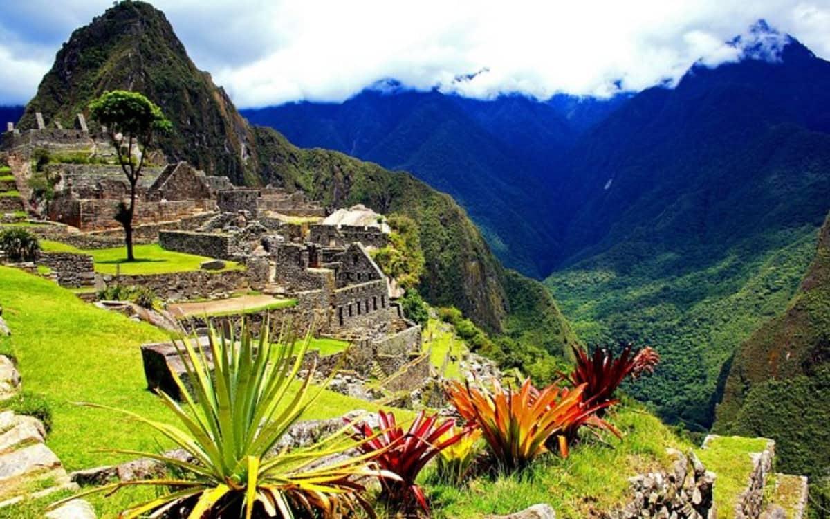 Machu-Picchu-Tour-Perú