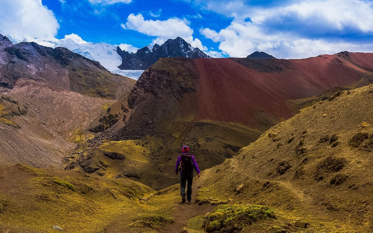Ausangate-Trek-to-Rainbow-Mountain-4-Days